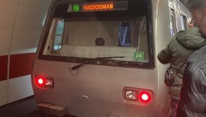 Taksim metrosunda raylara atlayan şahıs öldü