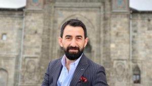Türk Halk Müziği Sanatçısı İdris Altuner, 'Kal Mezarımda' adlı eseri ile sosyal medyayı salladı