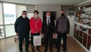Türkiye şampiyonu Emir Akal ödüllendirildi