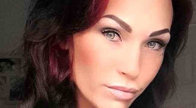 32 yaşındaki kadın
