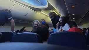 Amerikan uçağında koronavirüslü hasta öldü