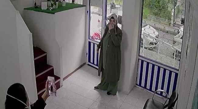 Avcılar'da aile sağlığı merkezinde doktora saldırı kamerada