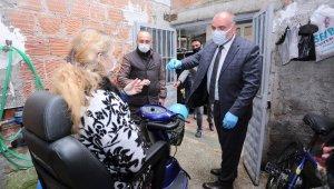 Canik Belediyesi'nden engelli vatandaşlara akülü araba dağıtımı