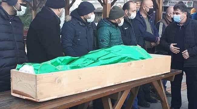 Hastanede 3 saat müdahale edilmediği için öldüğü iddia edilen şahıs toprağa verildi