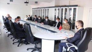 Hizan'da kurum amirleri toplantısı