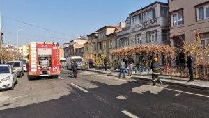 Kayseri'de ev yangını; itfaiye ekipleri büyümeden söndürdü