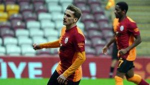 Kerem Aktürkoğlu ilk gol sevincini yaşadı