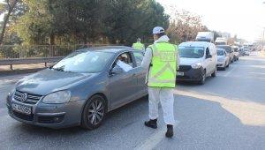 Kocaeli'de sokağa çıkma kısıtlamasını ihlal eden 78 kişiye para cezası kesildi