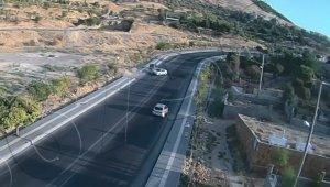 Mardin'da aşırı hız ve dikkatsizlik sonucu yaşanan kaza kamerada