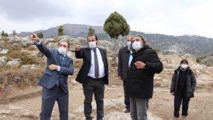 Rektör Akgül, Ermenek'te devam eden arkeolojik kazıları yerinde inceledi