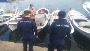 Sahil güvenlik ekipleri Kuşadası Körfezi'ni havadan ve denizden denetliyor