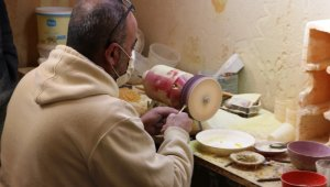 Suriye'de avukattı, Türkiye'de tespih satıyor