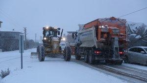 100 kişilik ekip 24 saat kar nöbeti tutacak