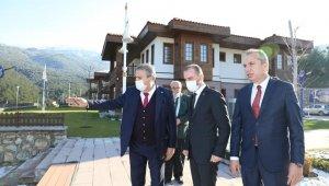 AK Partili Kandemir'den Yunusemre'nin projelerine tam not