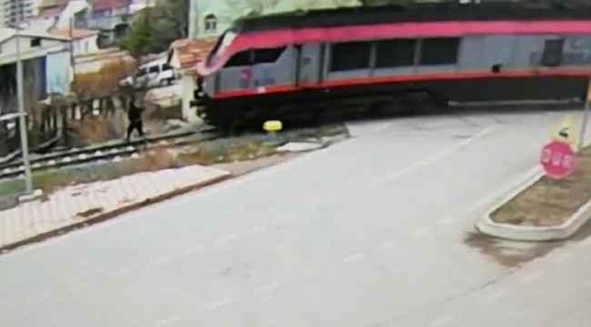 Bariyerleri fark etmeyen adam, tren altında kalarak feci şekilde can verdi