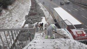 Ankara Büyükşehir Belediyesi 724 kar mesaisini sürdürüyor