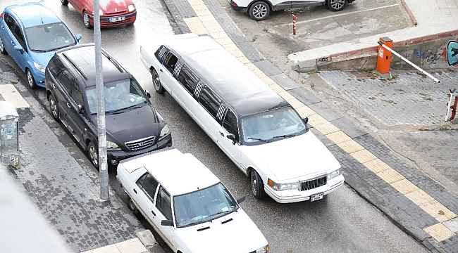 Ankara'da dar sokakta limuzin sürücüsünün zor anları