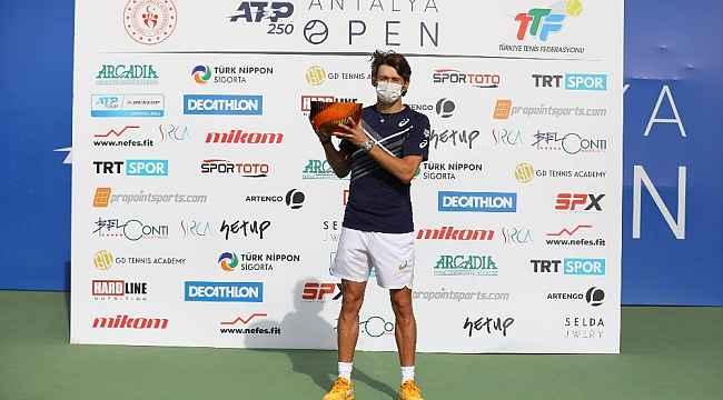 Antalya Open'da Şampiyon Alex De Minaur