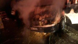 Araçta başlayan yangın eve sıçradı
