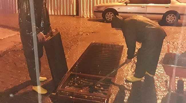 Ayvalık Belediyesi şiddetli yağış sırasında teyakkuzdaydı