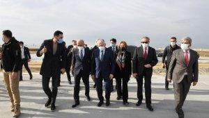 Bakan Elvan, Çukurova Bölgesel Havalimanında incelemelerde bulundu