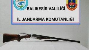 Balıkesir'de jandarma 18 aranan şahsı yakaladı