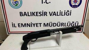 Balıkesir'de polis 7 aranan şahsı yakaladı