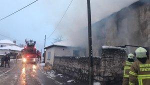 Balya'da ev yangını