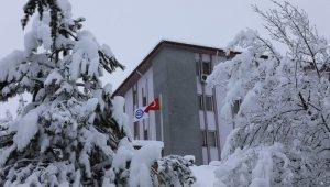 Bartın Üniversitesi'nde kar manzaraları