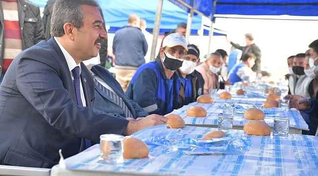 """Başkan Çetin: """"Temizlik işçileri için ne yapsak hakları ödenmez"""""""