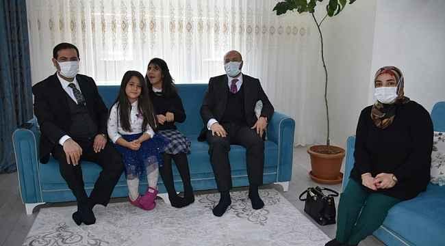 Başkan Geylani'den engelli ailelere ziyaret
