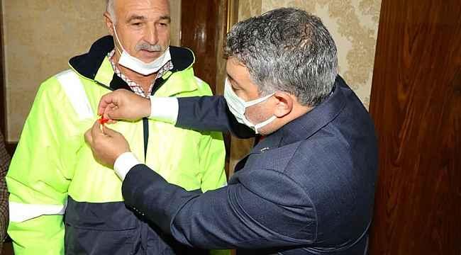 Başkan Şayir'den başarılı personele ödül