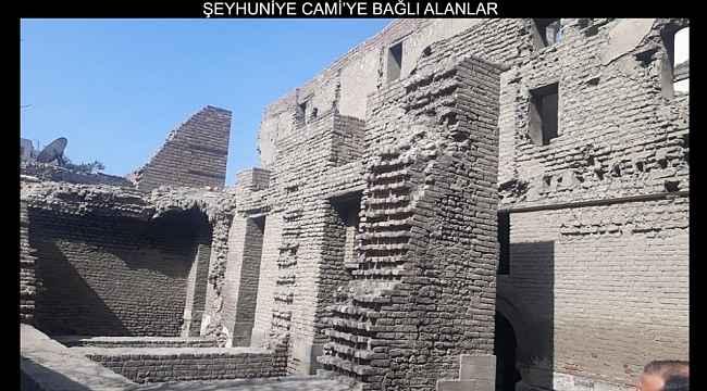 Bayburt Belediyesi, Ekmelüddîn Baberti'nin Mısır'da bulunan kabrinin fotoğraflarını paylaştı