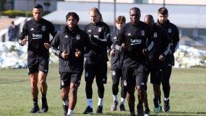 Beşiktaş, Göztepe maçı hazırlıklarına ara vermeden başladı