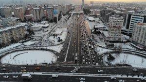 Beylikdüzü'nde kar manzarası havadan görüntülendi