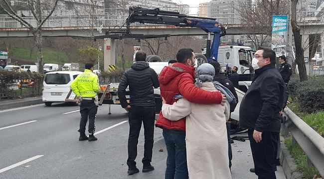 Beyoğlu'nda araç takla attı: 1 yaralı