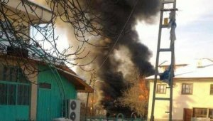 Beypazarı'nda 2 ev kül oldu