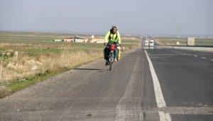 Bisikleti ile 1 yıldır yollarda olan İspanyol gezgin Türkiye'ye hayran kaldı
