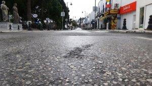 Bodrum sokakları bom boş kaldı