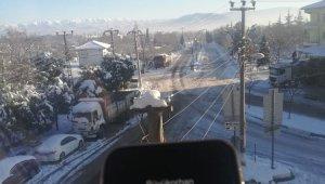 Bursa buz tuttu, sıcaklık eksi 18'i gördü - Bursa Haberleri