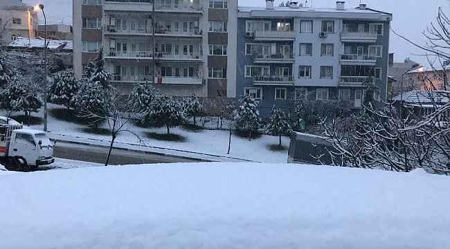 Bursa şehir merkezi beyaza büründü - Bursa Haberleri