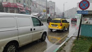 Bursa şehir merkezinde yoğun kar