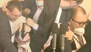 Çekya meclisindeki maske tartışması kavgaya dönüştü