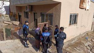 Cizre polisinden ihtiyaç sahibi ailelere kıyafet yardımı