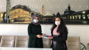 Diyarbakır Bilgi Evindeki başarılı öğrenciler ödüllendirildi