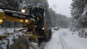 Edremit Belediyesi, Kazdağları'nda karla mücadeleye devam ediyor