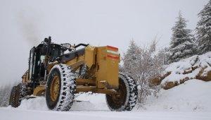 Elazığ'da 430 köy yolu ulaşıma açıldı, 11'i için çalışma sürüyor