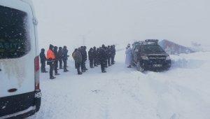 Erzincan'da 189 köy yolu ulaşıma kapandı