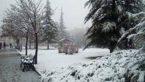 Eskişehir'e beklenen kar nihayet geldi