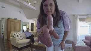 Evlerine güvenlik kamerası taktığı kadınların cinsel ilişki görüntülerini izledi